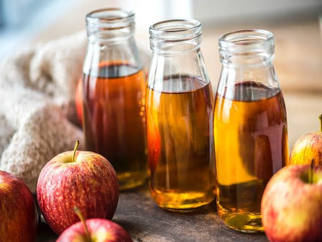 Apple Cider Vinegar: Benefits, Side Effects and Solutions